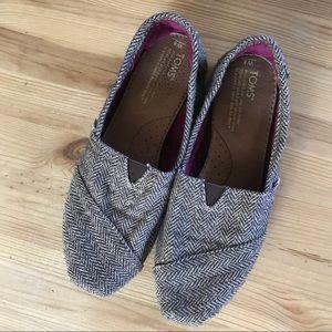 TOMS women's size 8 shoes